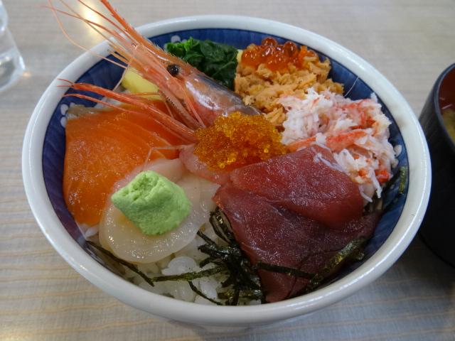 【朝市食堂のワンコイン丼】